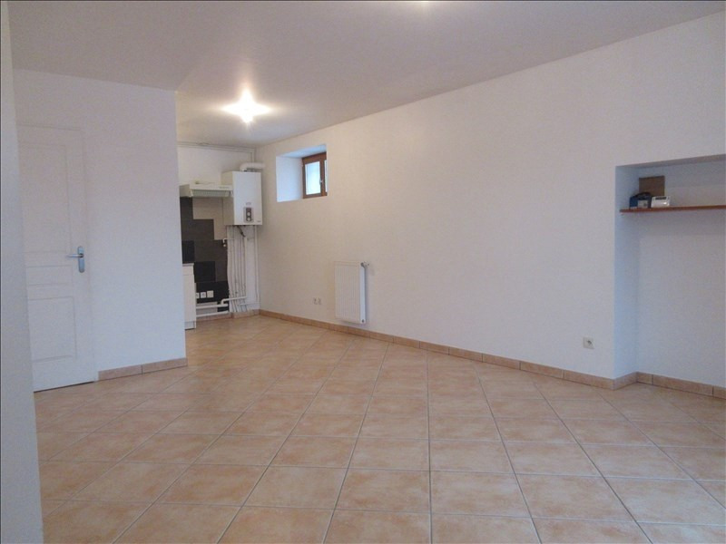 Location appartement Chirens 645€ CC - Photo 2