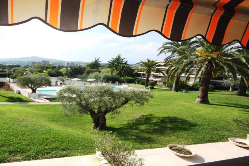 Sale apartment Antibes 297000€ - Picture 1