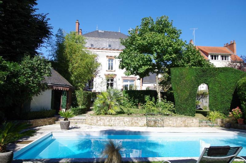 Deluxe sale house / villa Cholet 566500€ - Picture 1