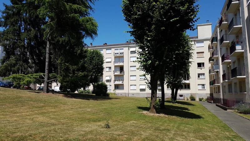 Location appartement Laval 263€ CC - Photo 1