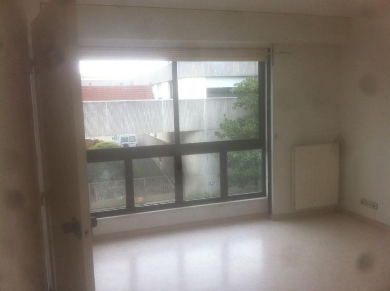 Location appartement La rochelle 416€ CC - Photo 1