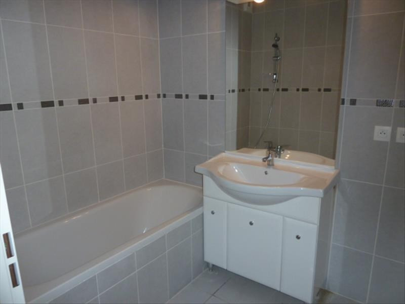 Rental apartment Floirac 555€ CC - Picture 3