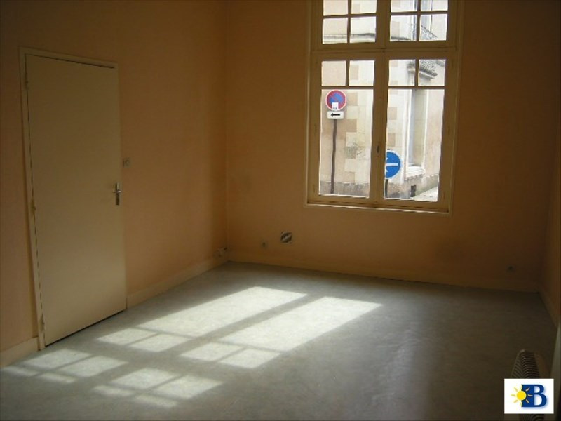 Location appartement Chatellerault 203€ CC - Photo 2