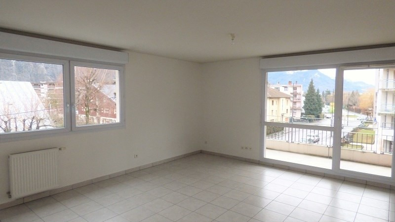 Rental apartment Cluses 749€ CC - Picture 1