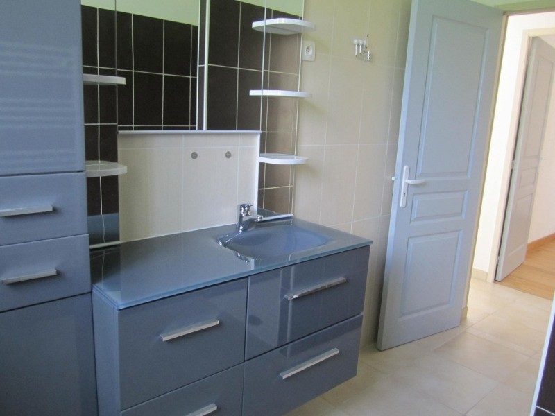 Sale house / villa Barbezieux-saint-hilaire 162750€ - Picture 7