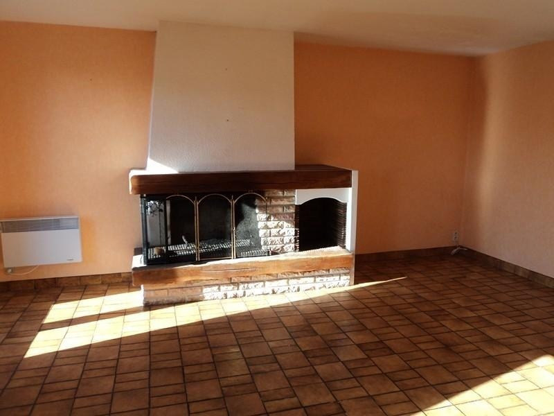 Location maison / villa Goutrens 356€ CC - Photo 2