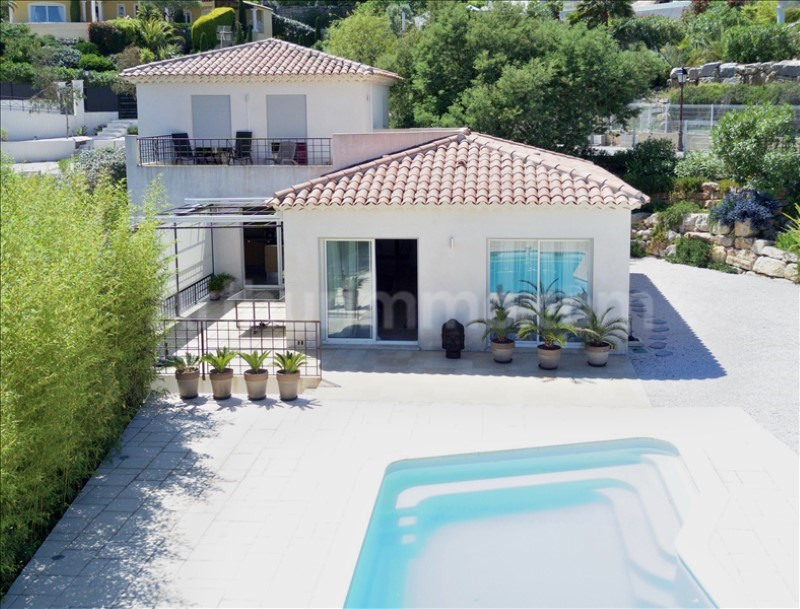 Deluxe sale house / villa St aygulf 830000€ - Picture 1