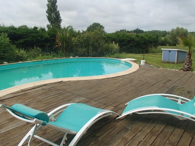 Sale house / villa L isle jourdain 320000€ - Picture 9