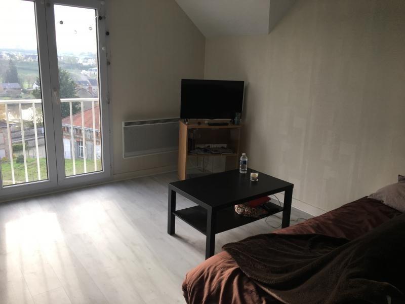 Location appartement Laval 350€ CC - Photo 2