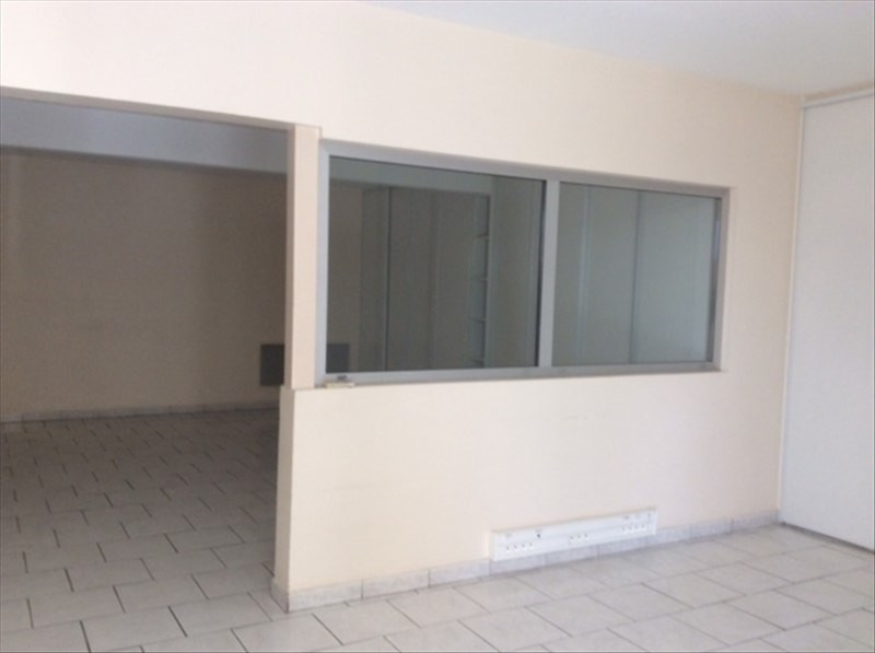 Location local commercial Cholet 2200€ HT/HC - Photo 4