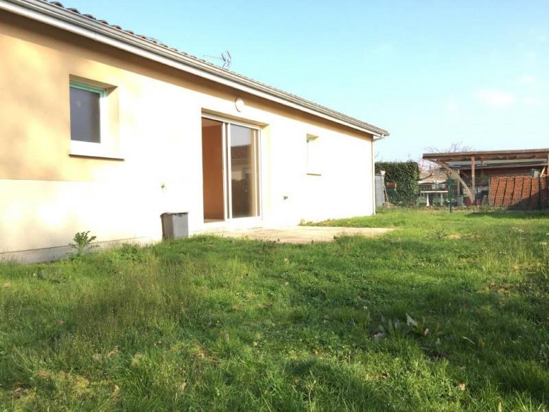 Location maison / villa Saint-denis-de-pile 553€ CC - Photo 1