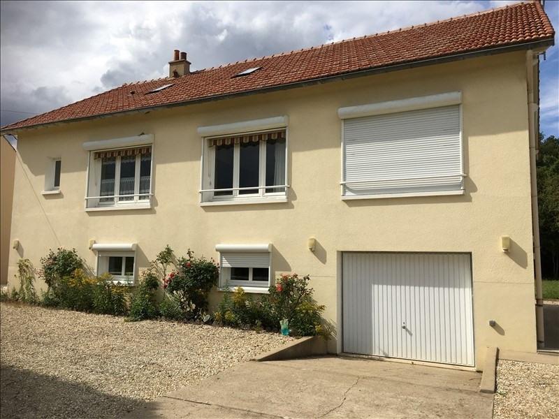Sale house / villa 15 minutes de sens 180000€ - Picture 1