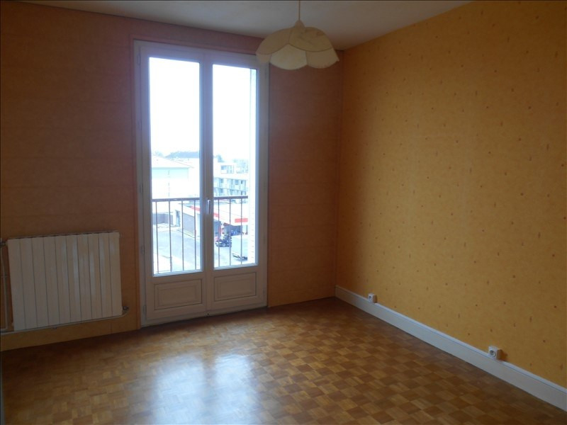Rental apartment Sainte savine 650€ CC - Picture 5