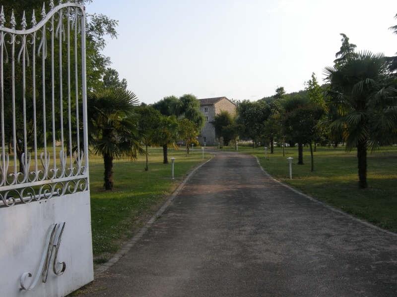 Vente maison / villa Bonnes 525000€ - Photo 2