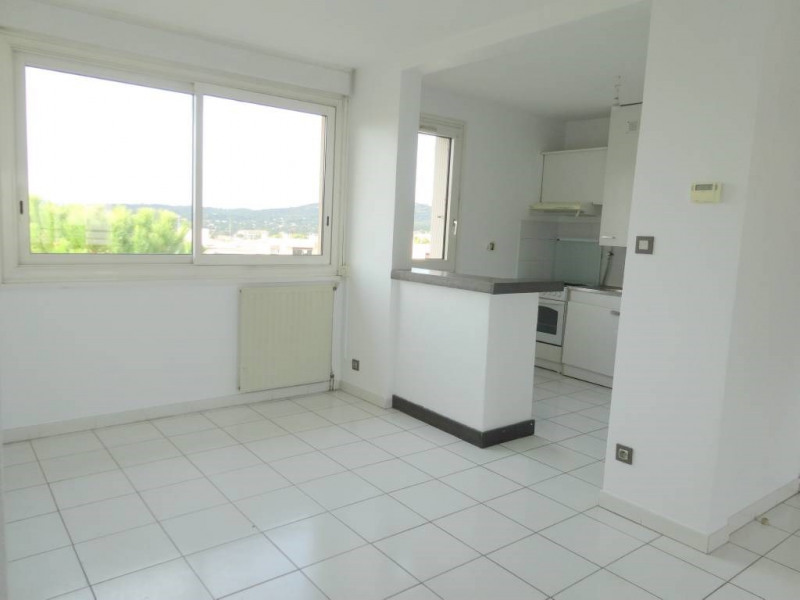 Location appartement Les angles 770€ CC - Photo 2