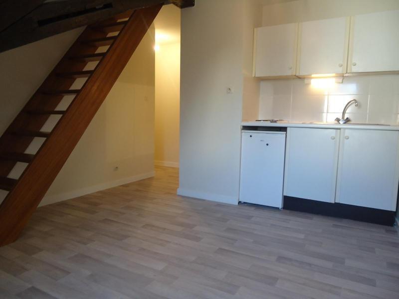 Location appartement Dijon 339€ CC - Photo 1
