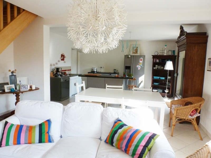 Location maison / villa Maurepas 1548€ CC - Photo 2