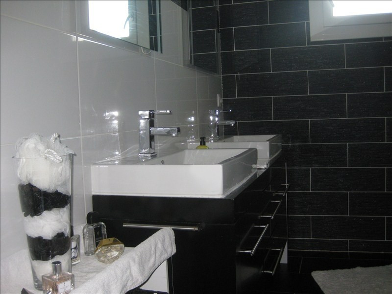 Sale house / villa Guernes 270000€ - Picture 7