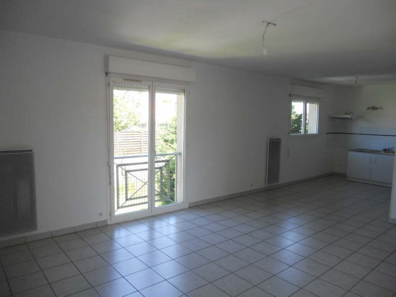 Rental apartment Bassens 632€ CC - Picture 1