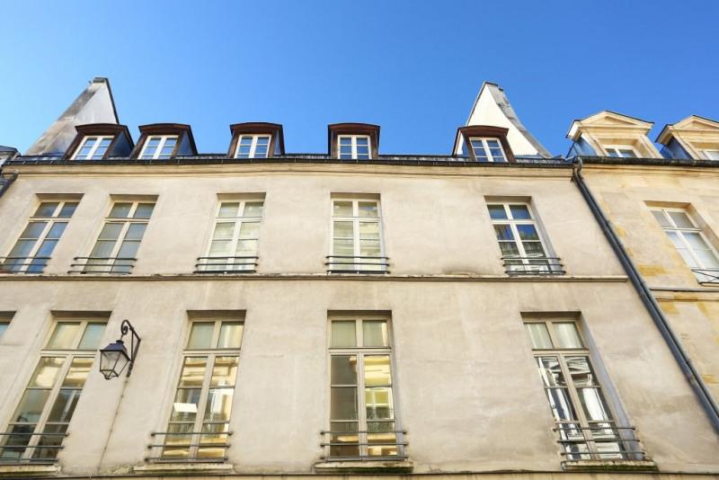 Aрендa квартирa Paris 3ème 3400€ CC - Фото 14