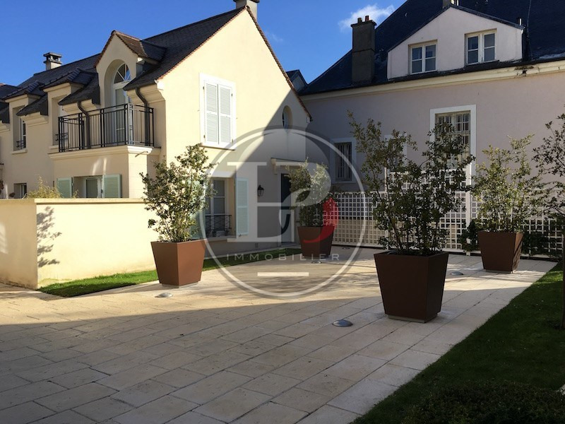 Location appartement Marly-le-roi 950€ CC - Photo 1