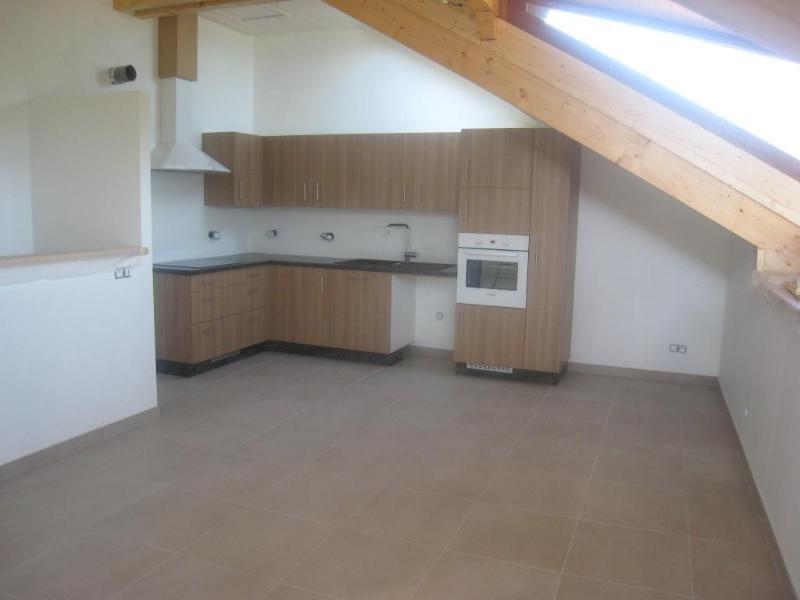 Location appartement Monnetier-mornex 740€ CC - Photo 2