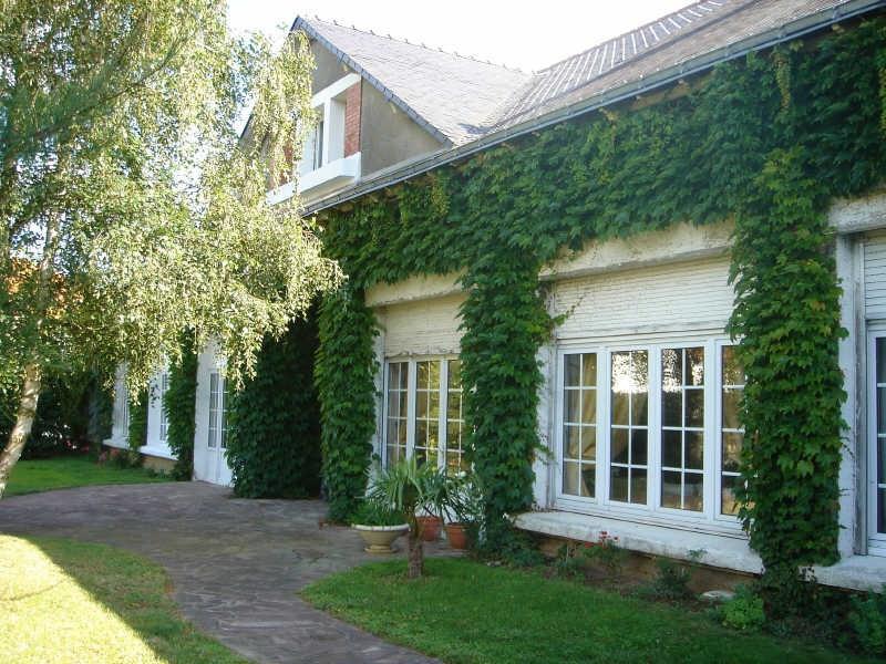 Sale house / villa Cholet 381600€ - Picture 1