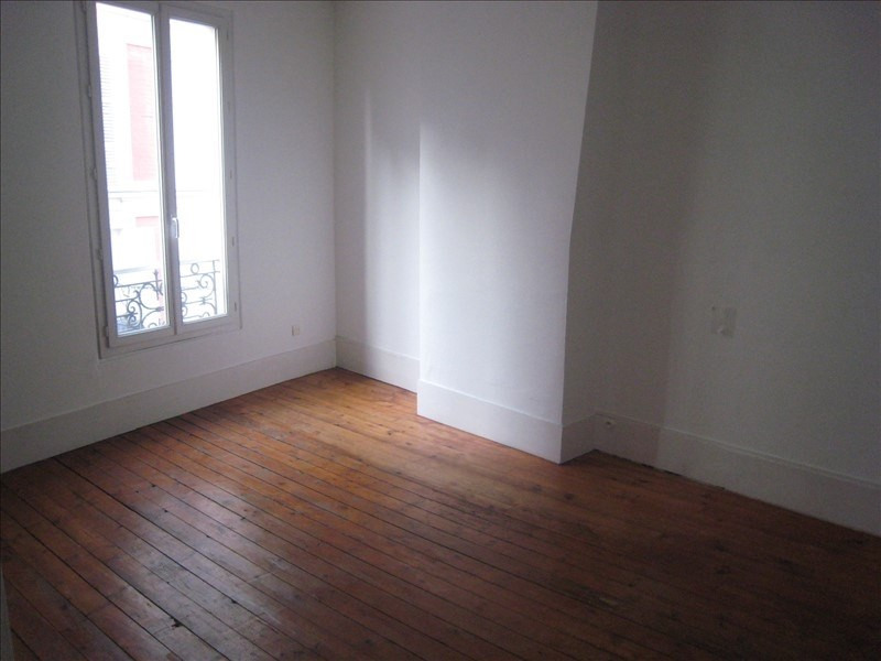 Rental apartment St cloud 922€ CC - Picture 2