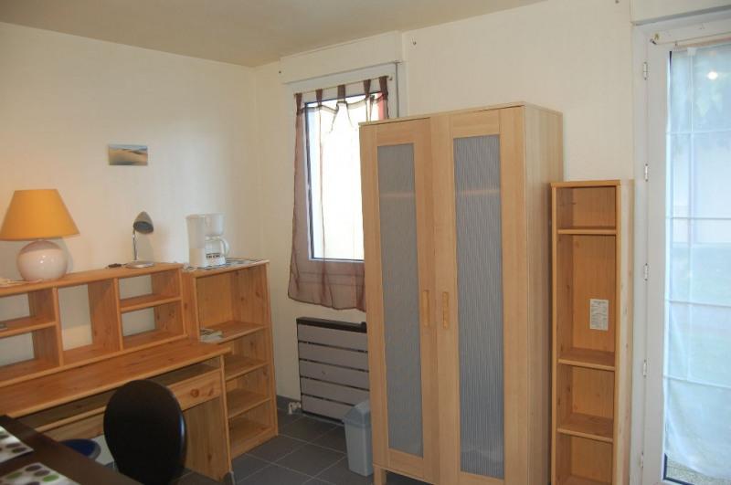 Rental apartment La rochelle 402€ CC - Picture 2