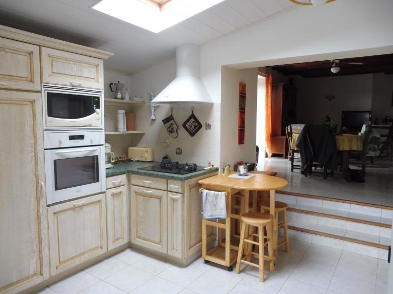 Sale house / villa La bruffiere 215900€ - Picture 2