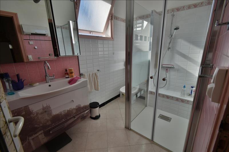 Sale house / villa Gelos 212000€ - Picture 5