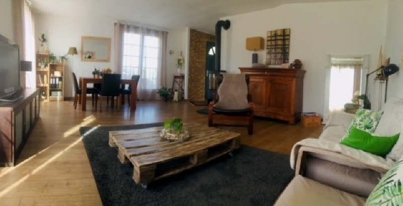 Sale house / villa Lesigny 438900€ - Picture 1