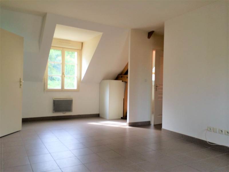 Location appartement Chars 578€ CC - Photo 2