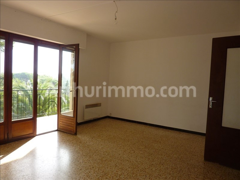 Rental apartment Saint-aygulf 806€ CC - Picture 1