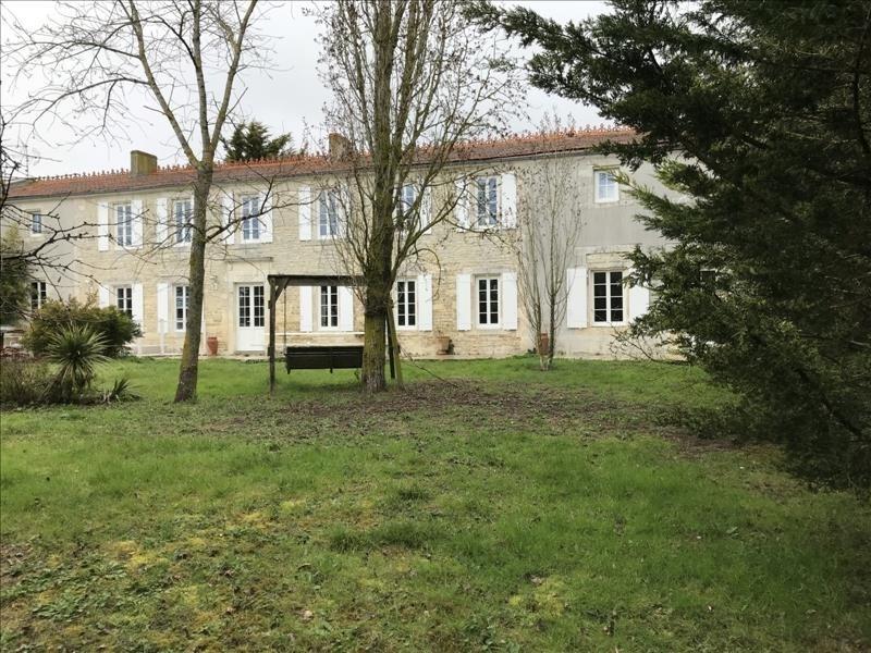 Deluxe sale house / villa Puilboreau 1015000€ - Picture 3