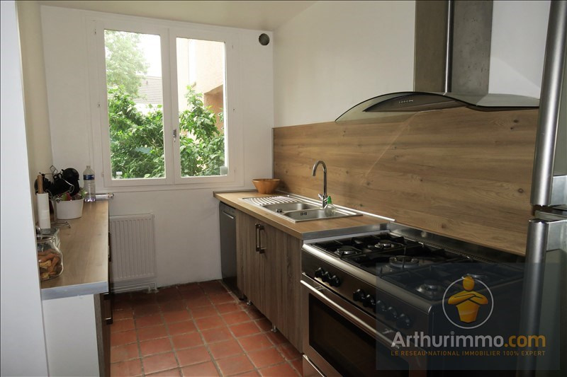 Sale house / villa Savigny le temple 239500€ - Picture 3