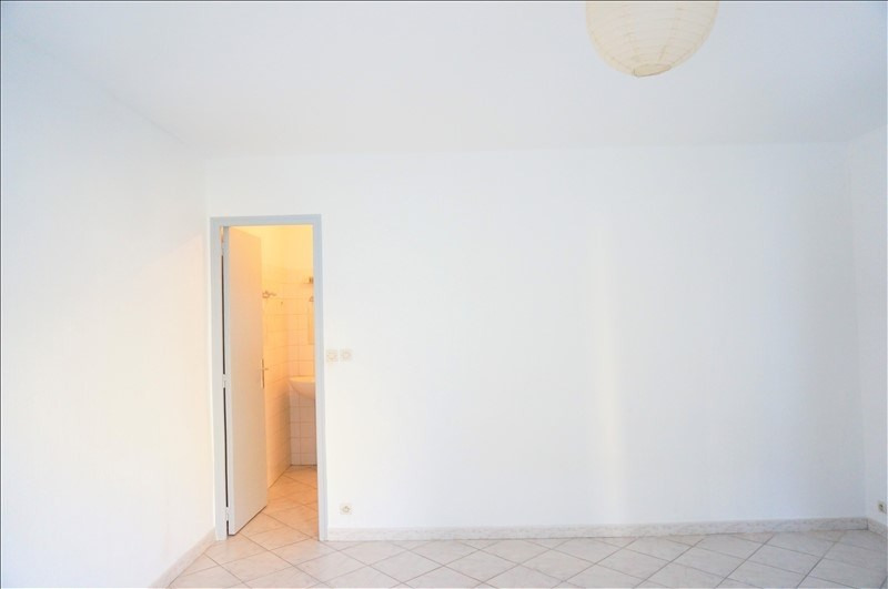 Location appartement Marseille 5ème 450€ CC - Photo 3
