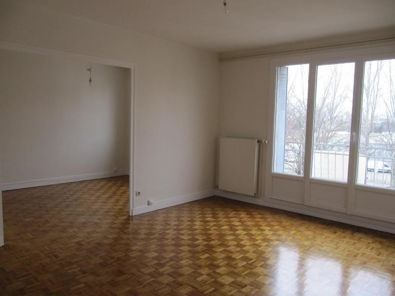 Location appartement St martin d'heres 591€ CC - Photo 1