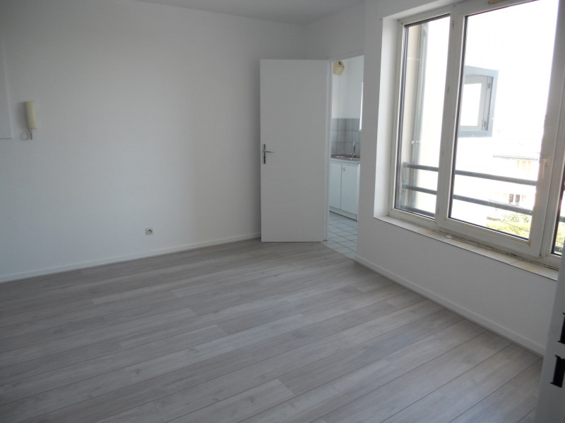 Location appartement Noisy le grand 765€ CC - Photo 2