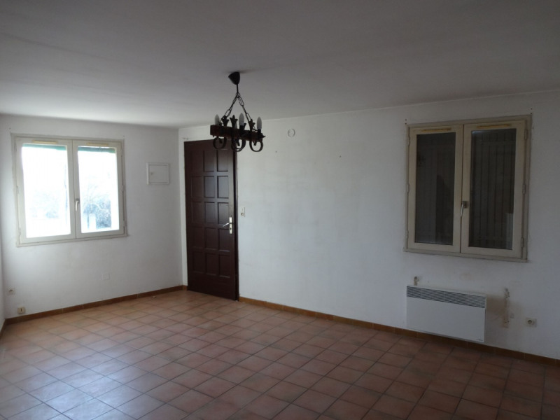 Rental apartment Entraigues sur la sorgue 514€ CC - Picture 5