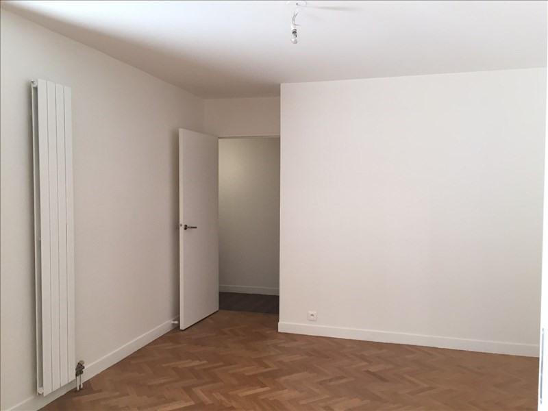 Location appartement Rueil malmaison 2 200€ CC - Photo 5