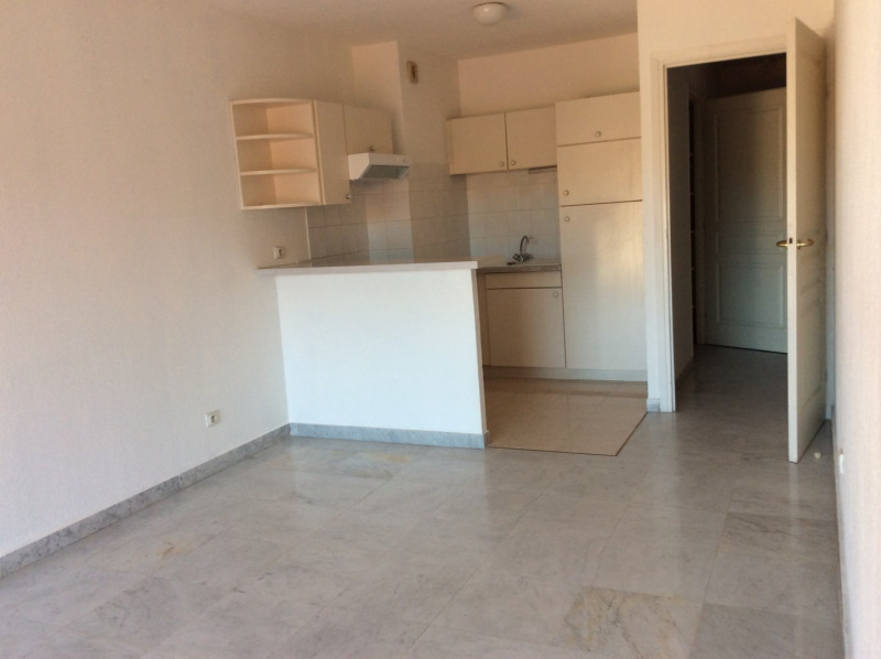 Location appartement Saint-raphaël 755€ CC - Photo 1