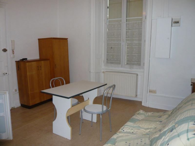 Rental apartment Laval 292€ CC - Picture 3