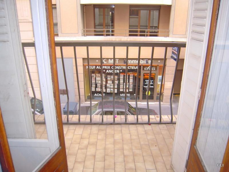 Location appartement Lyon 6ème 1079€ CC - Photo 5