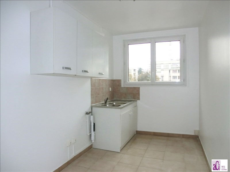 Location appartement Fresnes 850€ CC - Photo 4