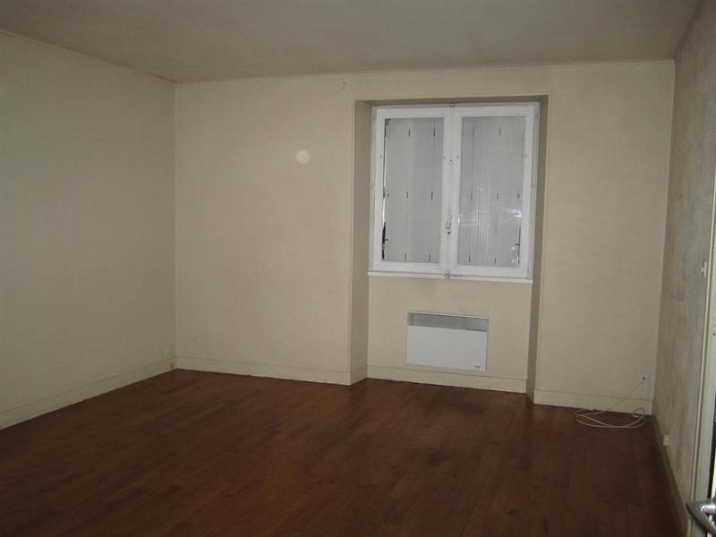 Location appartement Barbezieux-saint-hilaire 436€ CC - Photo 2