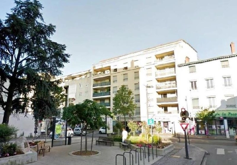 Sale apartment St fons 153 000€ - Picture 1