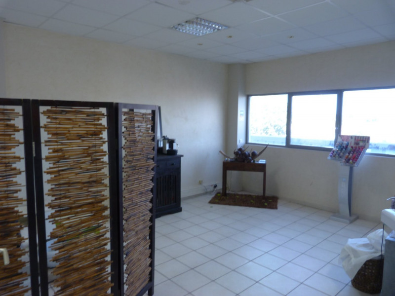 Vente local commercial Baie mahault 98 000€ - Photo 4