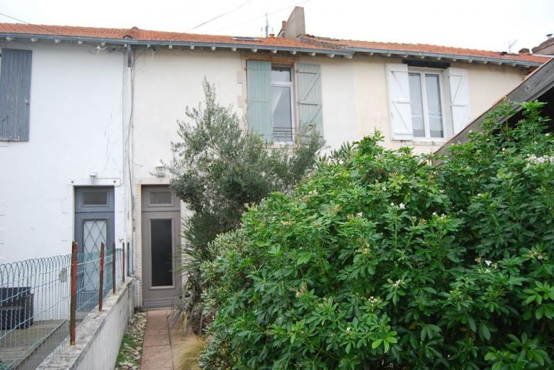 Produit d'investissement immeuble La rochelle 488250€ - Photo 1