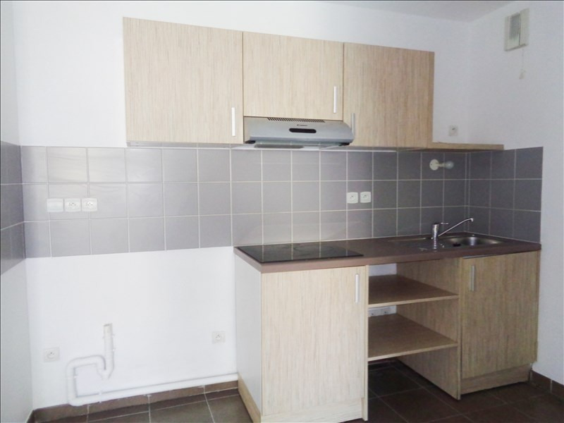 Location appartement Seyne sur mer 595€ CC - Photo 2